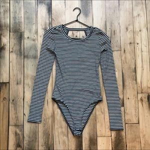 Gap bodysuit black white stripe keyhole back
